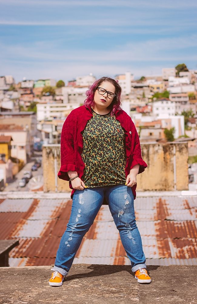 plus size look with skid sneaker
