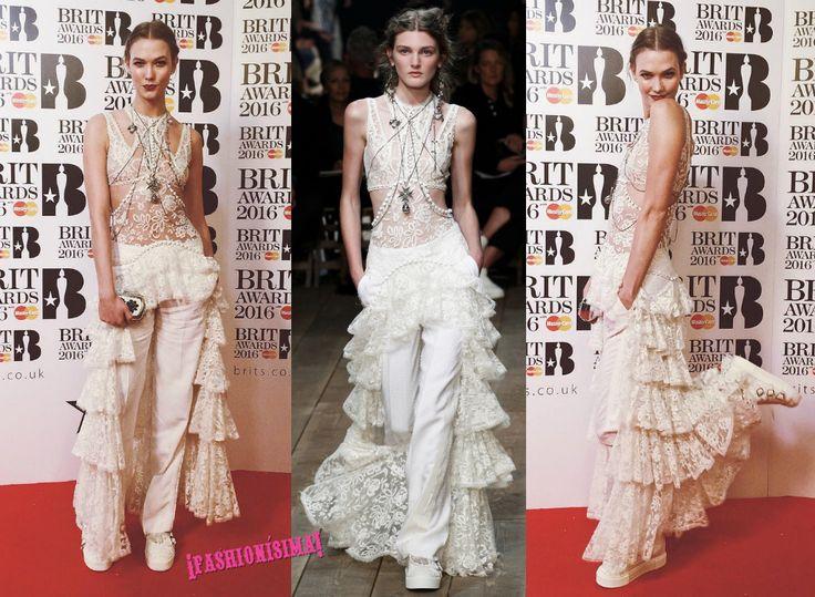 ¡Atención a los zapatos!Además del vestido de Rihanna en la alfombra roja de los Brit Awards 2016, cabe destacar el curioso look de la colección Primavera