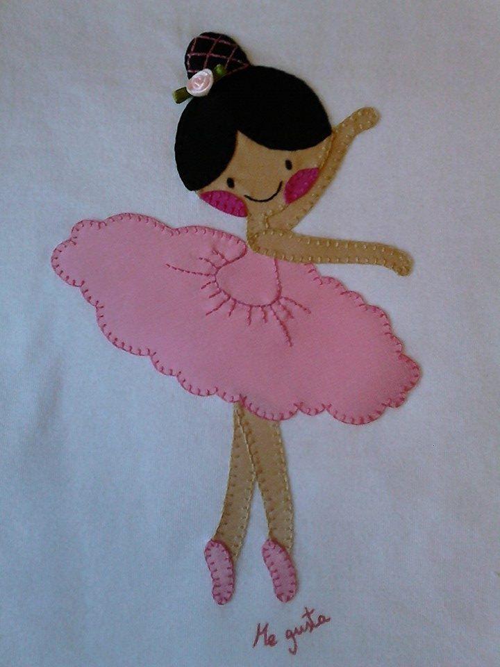 """Camiseta de niña realizada en patchwork. Facebook Camisetas decoradas """"ME GUSTA"""""""