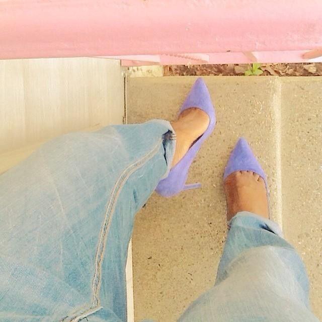 Lavender pumps.