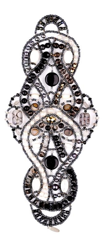 """""""Anemone Rococo"""" Onyx bracelet from Musesa Collection. Stunning ! Onyx, Dragon Veins Agate, Mother-Pearl Shell, Black Goldstone, White Turquoise, Black Moss Quartz, Freshwater Pearl, Rock Crystal, Swarovski Crystals.  www.musesa.com"""
