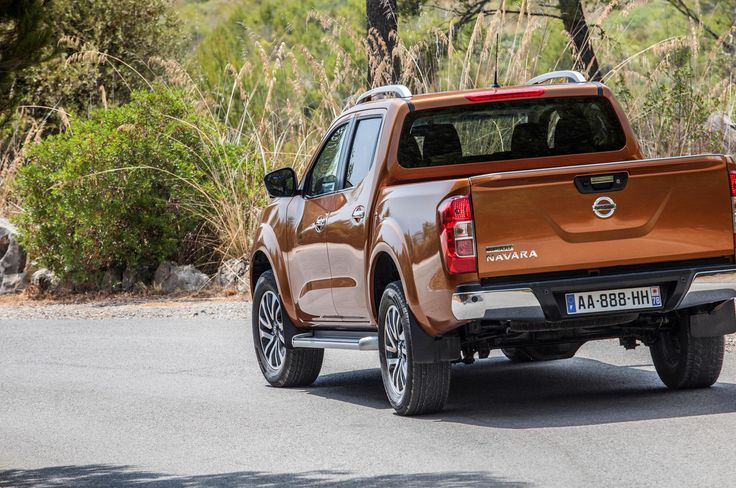NP300 Navara Double Cab Nissan Specification - http://autotras.com