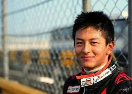 Rio Haryanto set as the 1st Indonesian driver to compete in Formula One racing after signing with Manor for 2016 season.
