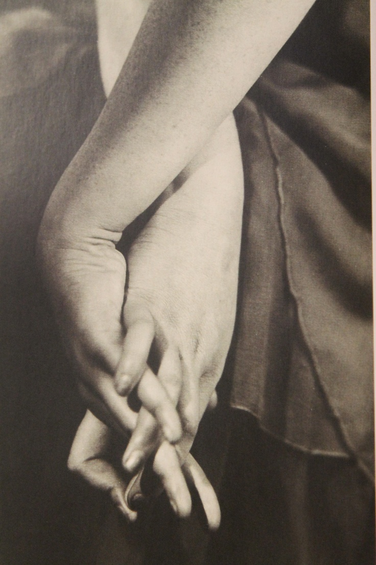 Dora Maar's hands by Emmanuel Sougez (late 1920's)
