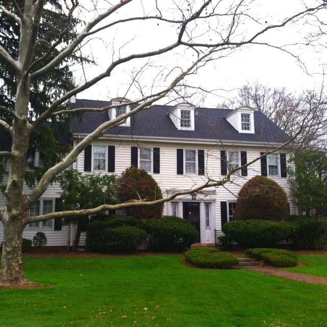 Classic 1920s center hall colonial my dad 39 s listing in for Classic new jersey house music