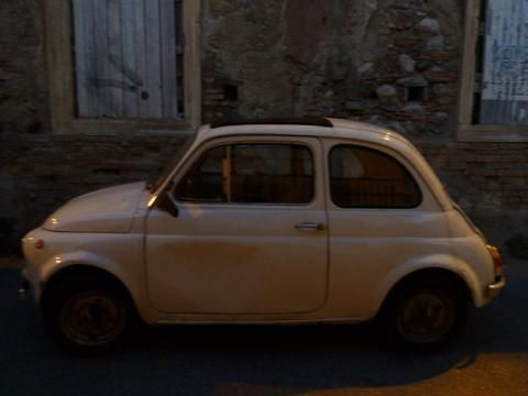 Little red Fiat500: A reggiói nagypapával meglátogattuk egy régi iskolatársát, de már eléggé sötétedett így hamar hazaindultunk./Me and my grandfather from Reggio visited one of his old schoolmates but as it was more and more dark we left for home soon.