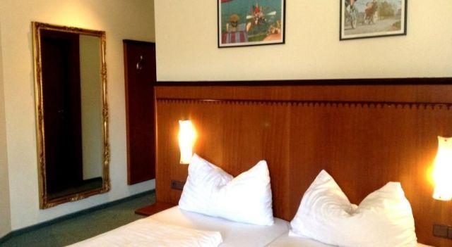 Hotel Gasthof Sonne - 3 Star #Hotel - $98 - #Hotels #Austria #AschachanderDonau http://www.justigo.club/hotels/austria/aschach-an-der-donau/gasthof-sonne_51333.html