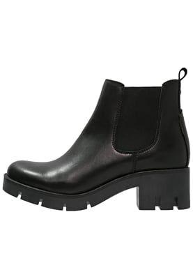 Diese Ankle Boots gehören definitiv in jede Schuhsammlung. Zign Ankle Boot…