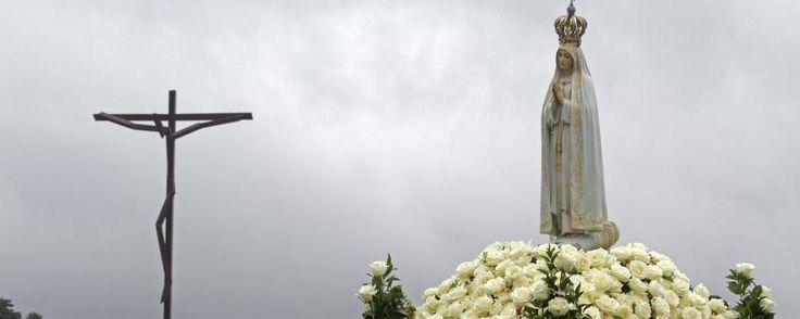 Le Pape François est attendu ce vendredi 12 à Fatima, au Portugal, à l'occasion du centenaire de l'apparition de la vierge à trois bergers. Il doit à cette occasion canoniser deux d'entres eux. Il s'agit de la sixième visite papale dans cette ville, chère notamment au cœur de Jean-Paul II qui y échappa à un attentat.
