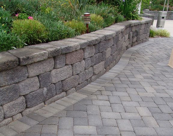 32 best images about retaining walls on pinterest for Patio and retaining wall ideas