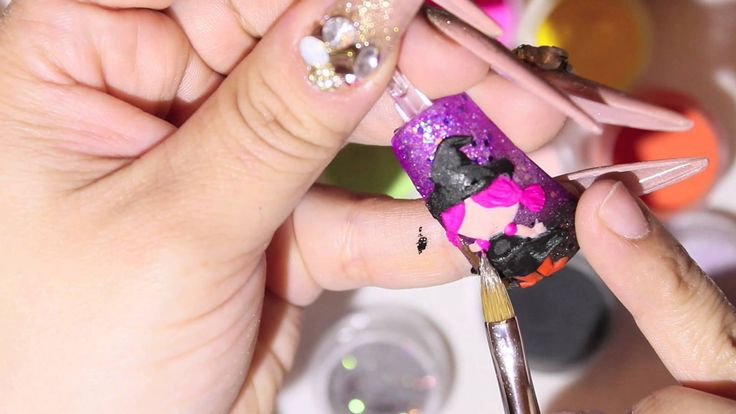 This is so adorable!! I cant wait to try! Uñas Acrilicas: Brujita En 3D Para Halloween