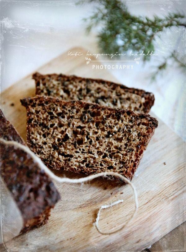 Joululimppuresepti // Christmas bread  http://kotikaupunginlaidalla.blogspot.fi/2014/12/joululimppua-olkaa-hyva.html