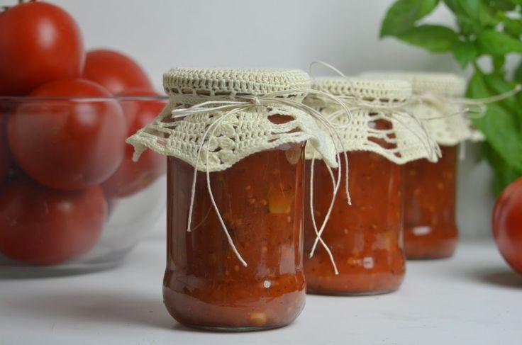Sos pomidorowy z papryką i cukinią - Marynujemy.pl