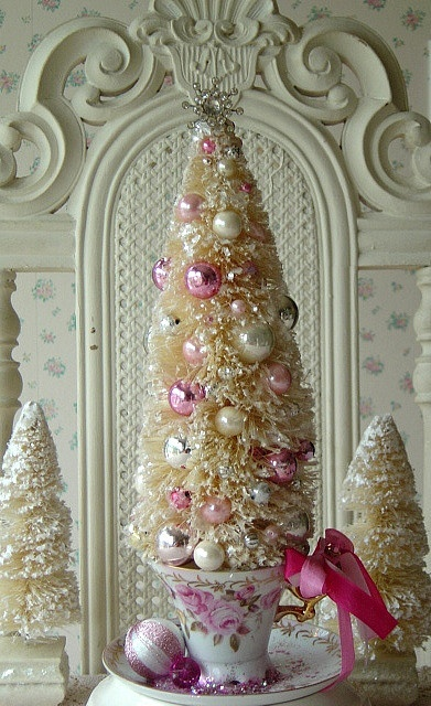 What a fabulously pretty, retro inspired bottle brush tree in a darling little teacup. #Christmas #tree #decor #retro #vintage #shabby #chic #pink