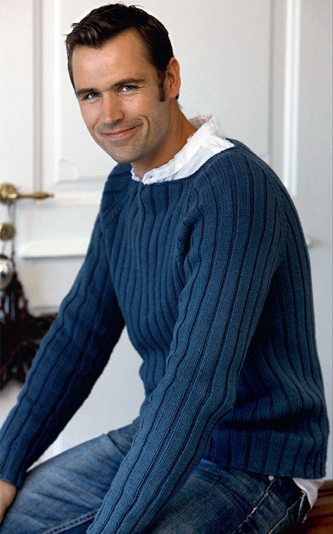 Strik til manden: Herresweater i rib - Hendes Verden