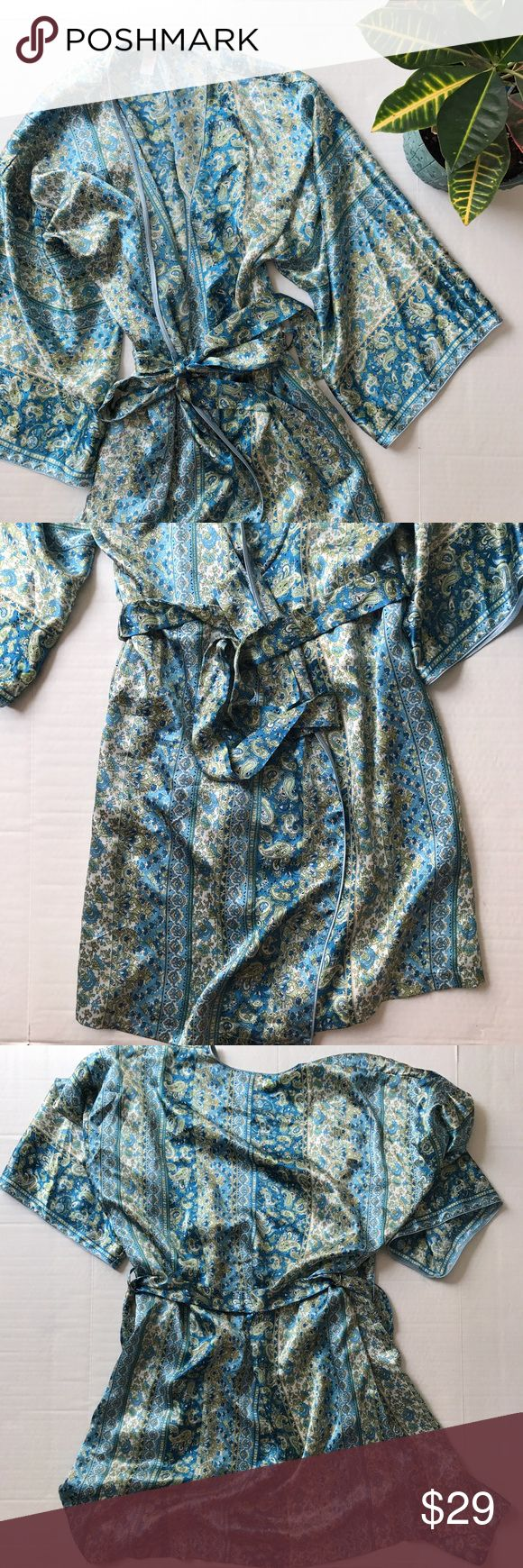 Oscar de la Renta Pink Label Paisley Robe Paisley robe from Oscar de la Renta Pink Label. Size: S. Color: greens and blues. Silky wrap style robe with outside and inside ties, pockets. 100% polyester. 39 inches long. Oscar de la Renta Intimates & Sleepwear Robes