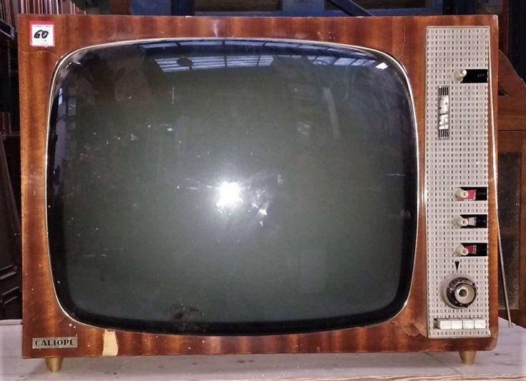 Televisor Antiguo Caliope  ---  Televisión analógico antiguo CRT, con caja de madera, de la marca Caliope. Ref:R0566  ---  Realizamos envíos  ---  Comparte en tu red social   ---  P.V.P 60€