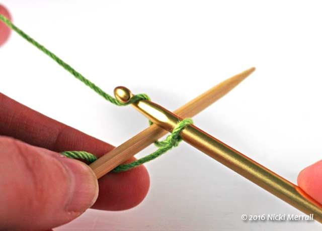Crochet cast-on: Grab the yarn with the crochet hook