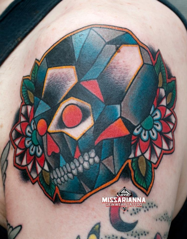 Diamond skull (done by Miss Arianna, Skinwear Tattoo, Rimini, Italy)