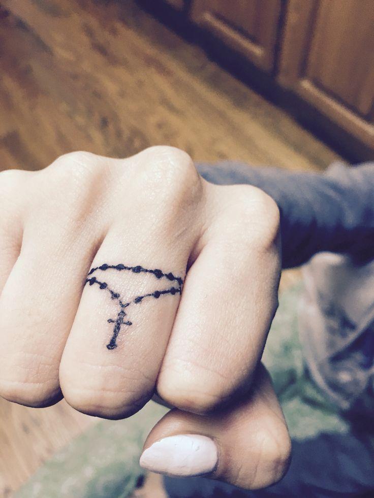 e23d4e4fb65da837c31f5be2164d0d4e--rosary-finger-tattoo-rosary-tattoos.jpg (736×981)