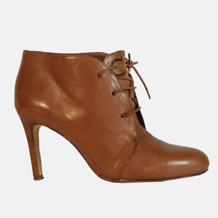 Bottines en cuir brun clair à lacets talons hauts - Boutique de mode vintage & friperie en ligne - DeeDee Vintage