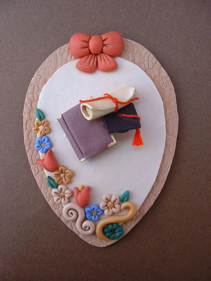 Il meraviglioso mondo del Fimo... e altro ancora!: Calamita uovo con decorazioni Laurea in Fimo