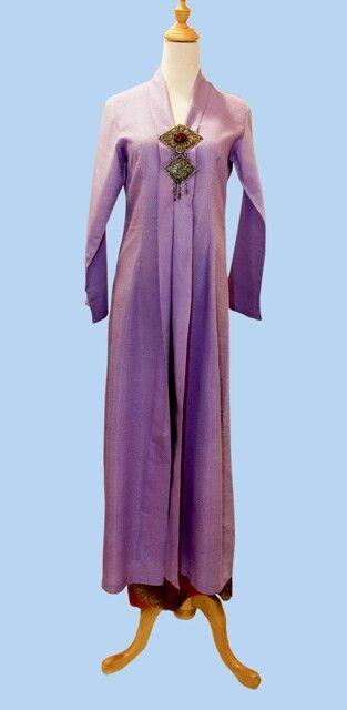 Kebaya jubah