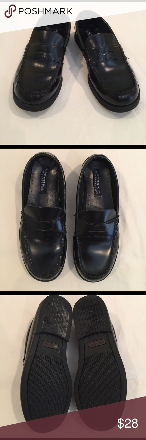 Boys Sperry Top-sider Black Colton shoe Boys Penny Loafer Style Dress shoe👞👞👞Shoes are in very good condition. The only wear that shows is on the soles. 🎉🎉🎉🎉🎉Sperry Top-sider, Colton Style.                             Leather uppers, Boys size 4M. Sperry Top-Sider Shoes Dress Shoes