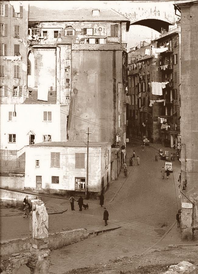 Via Madre di Dio http://www.genovavintage.it/genova-antica/immagini-storiche/via-madre-dio