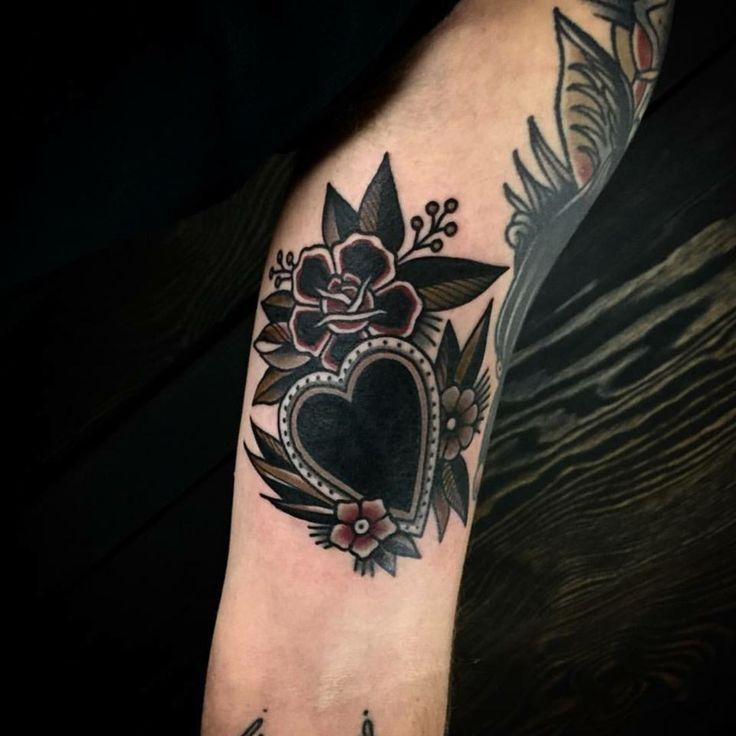 Les 80 meilleures images du tableau tatuaggio cuore sur for Idee tatuaggi lettere