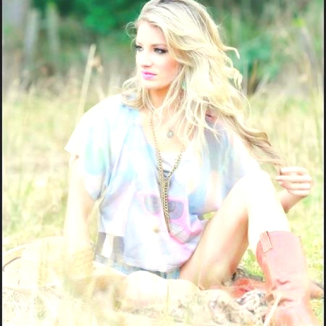 Makeup by Sequoia... Photography by Susan Stockman: Soft Colors