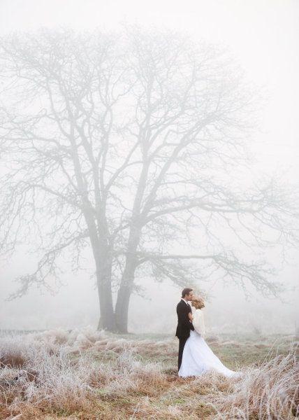 Cool - im wahrsten Sinne des Wortes. Mir fallen auf Anhieb mindestens drei Locations ins NRW ein, wo man soche Hochzeitsfotos für eine Winterhochzeit schießen könnte!