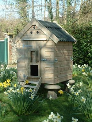 This coop would be the perfect addition to an urban garden.  Add a few chickens and sit back to watch the show!