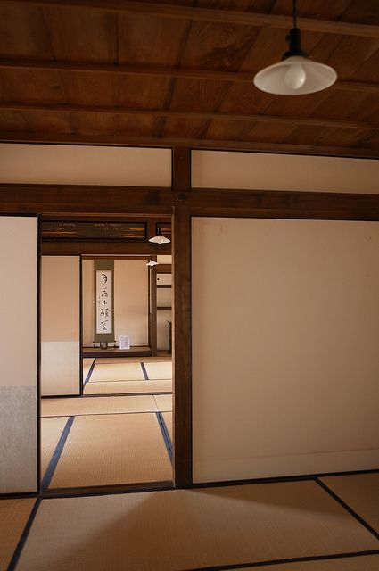 Japanese tatami room: photo by BONGURI, via Flickr