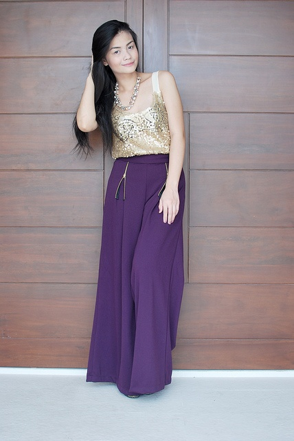 Fashion blogger Vern Enciso loves her gold sequined top from SOUL Lifestyle!  She wore it to the #Rockethigh event and this time, she pairs it with pants from Unarosa.  Read it on Vern's blog:http://www.vernenciso.com/2012/02/rockethigh.html