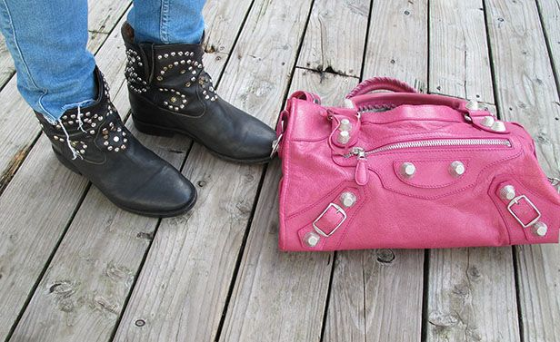 Soulcityguide | Isabel Marant Caleen boots, pink Balenciaga City | http://soulcityguide.com/2014/10/outfit-of-the-day-205/