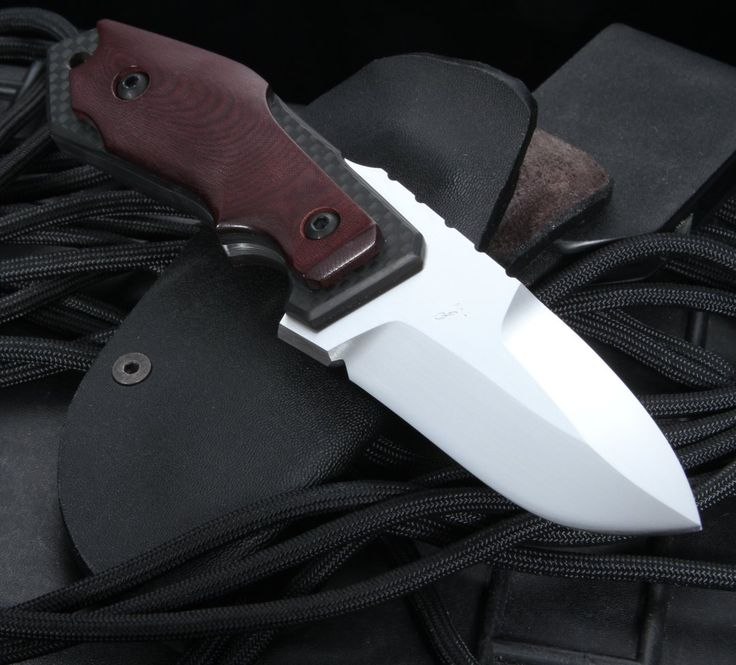 Kazutoshi Tanabe: Blood Red Tactical Fixed Blade