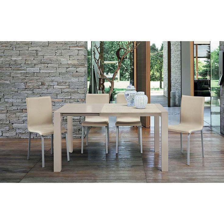 Tavolo quadrato allungabile Target Point Cometa Plus, con struttura in alluminio verniciato e piano in vetro temperato o in laminato effetto pietra.