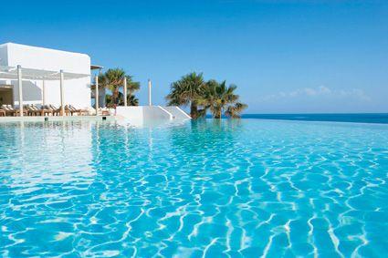 Mykonos Blu, blu blu pool