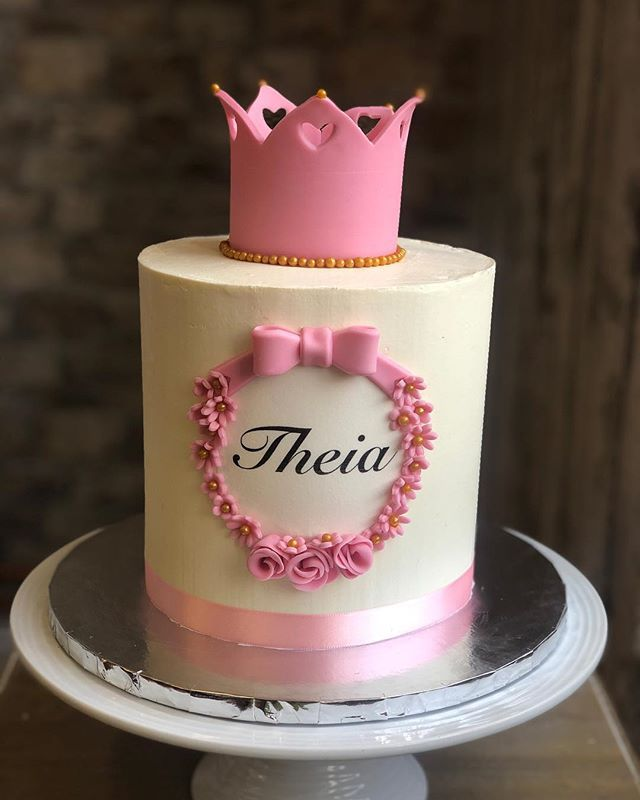Happy Birthday To Theia Really Pretty Pink Crown Cake Crown Cake Cake Pink Crown