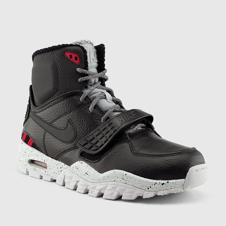 Nike Men's Trainer SC 2 Boot Bo Jackson sneakers now available for the winter.