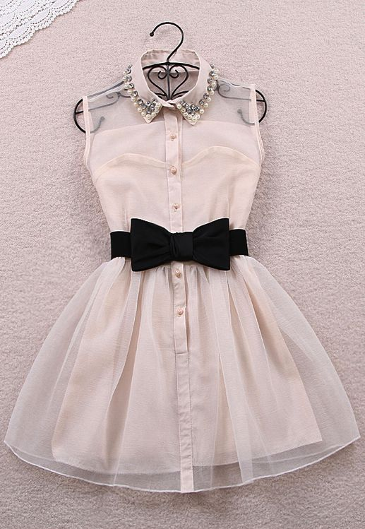 I wore the black one an my friend wore this white one they are so cute