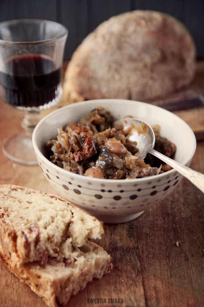 Bigos , known as a hunter's stew, is a traditional meat stew typical of Polish, Lithuanian, Belarusians and Ukrainian cuisine, and is a Polish national dish. Kielbasa, beef/pork, mushrooms, bacon?, cabbage/sauerkraut, tomato paste, prunes, onion and garlic, wine/ale/dark stout