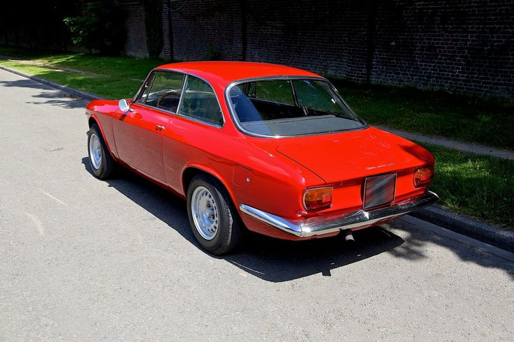 Alfa Romeo Giulia Sprint 1600 GTA Stradale - Shared by The Lewis Hamilton Band - www.lewishamiltonmusic.com