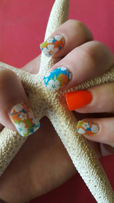Jamberry on acrylic nails; aloha flower; mixed manicure; hibiscus; tropical; Hawaii mani; bright nails