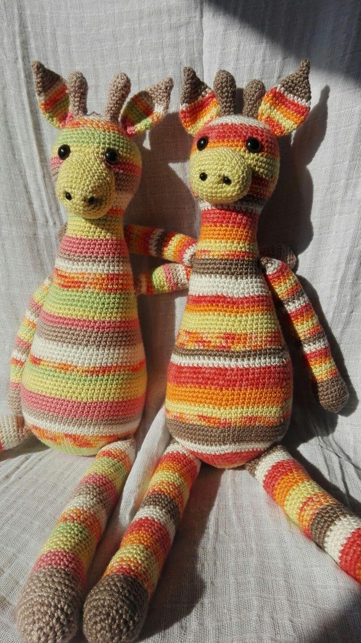 amigurumi crochet giraffes