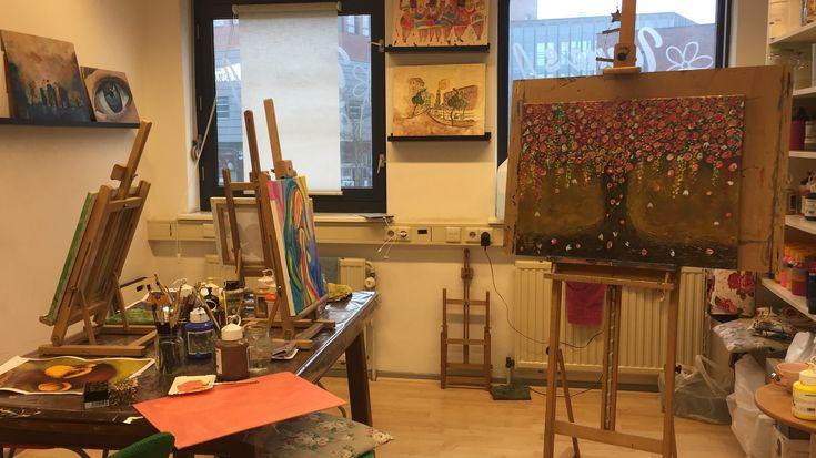 Dit is Irene's Atelier, hier wordt er geschilderd. Het is een super omgeving!!