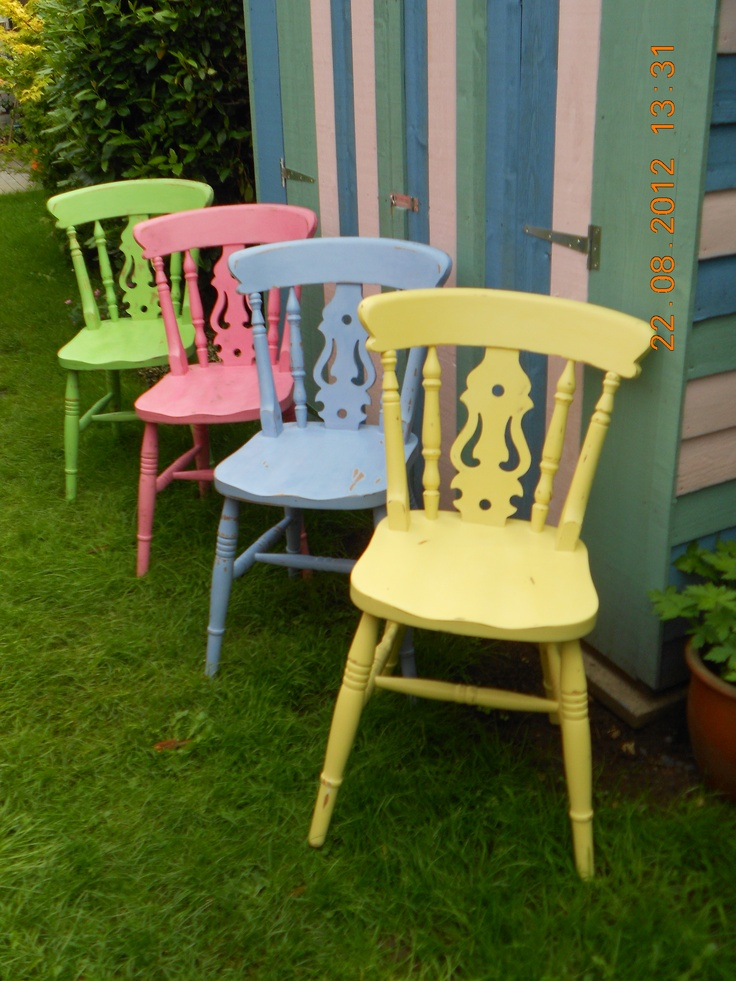 I loved painting these happy colours :-) Lightly distressed - ideal for a family with 3 kids! #CathKidston #candy #pastels