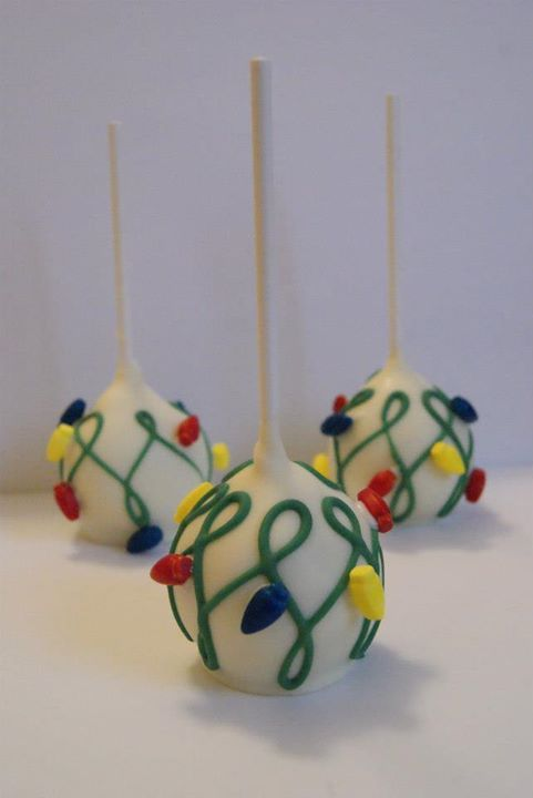 Christmas light cake pops by Evie and Mallow