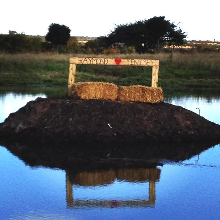 #wedding #country #wood #hay #bales #love #décor #event #dam www.jades.co.za